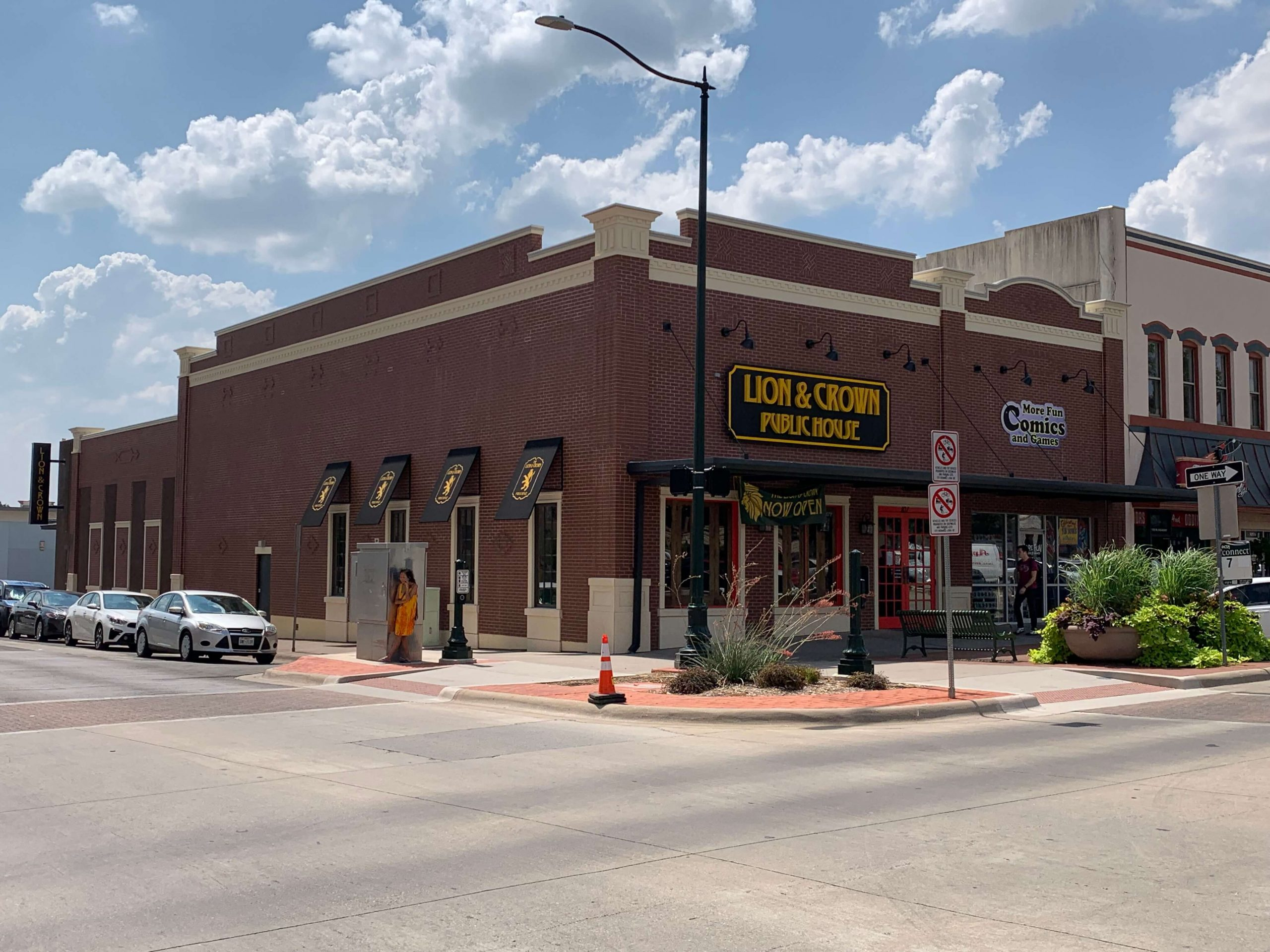 denton-square-retail